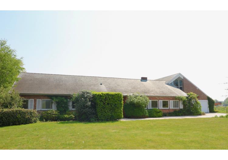 Eeklo, Villa - Royale villa met 4 slpk, dubbele garage en aanpalende weide* in een groene omgeving - VERKOCHT !