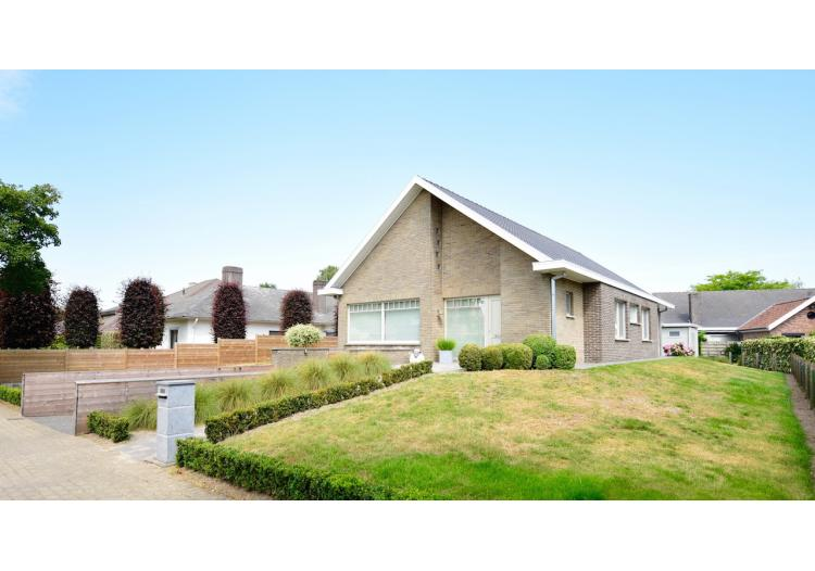 Maldegem, Villa - Comfortabele villa met 3 slpk (uitbreidbaar), tuin en garage voor 419.000 EUR